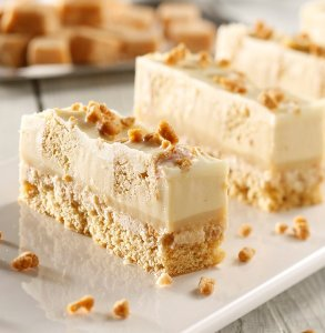 Crunchy maple slab cake